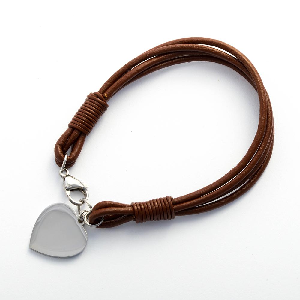 Bracelet en cuir marron foncé 19 cm avec fermoir en acier inoxydable et cœur en acier gravé